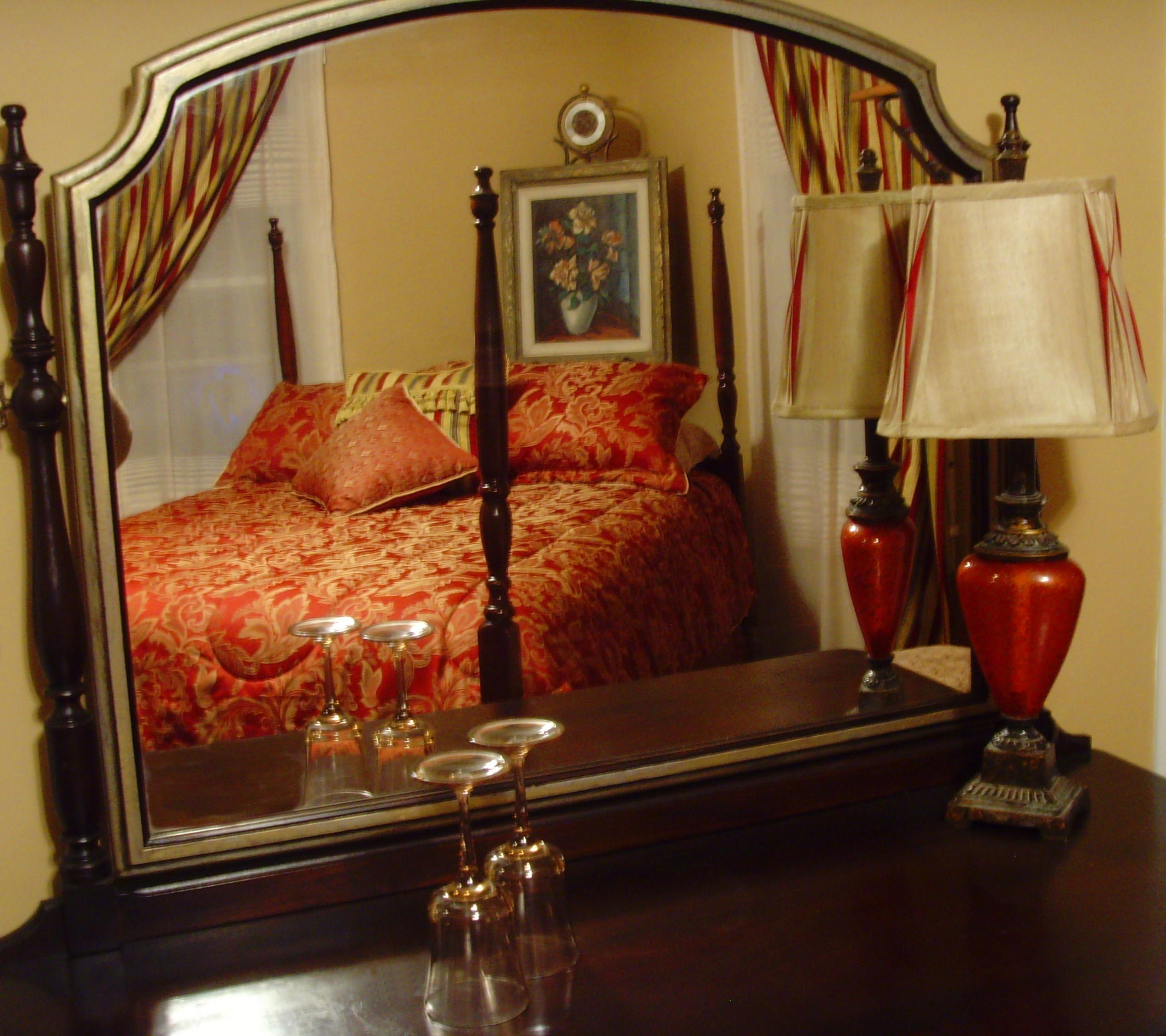 Medallion bedroom